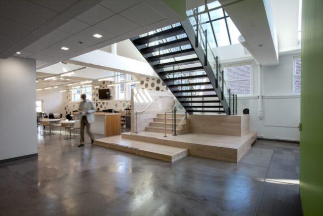 лестница для офиса