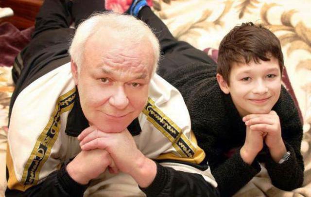 Леонид Неведомский с внуком