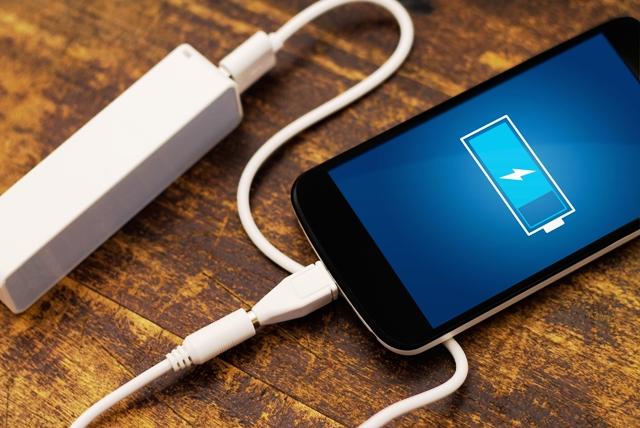 Эксперты напомнили четыре правила зарядки телефона