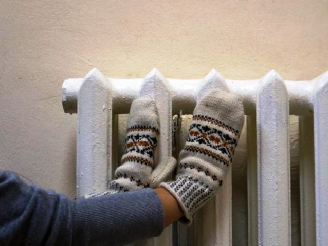 Почему в квартирах до сих пор холодно и когда включат отопление?