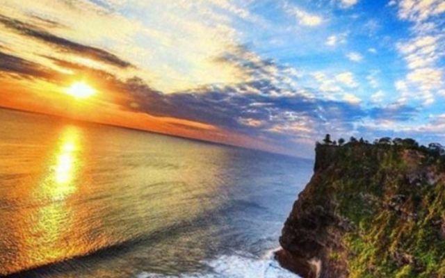 восход на Бали
