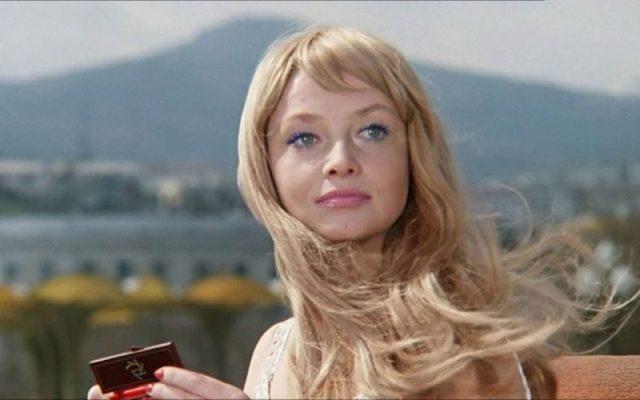 актриса Кустинская