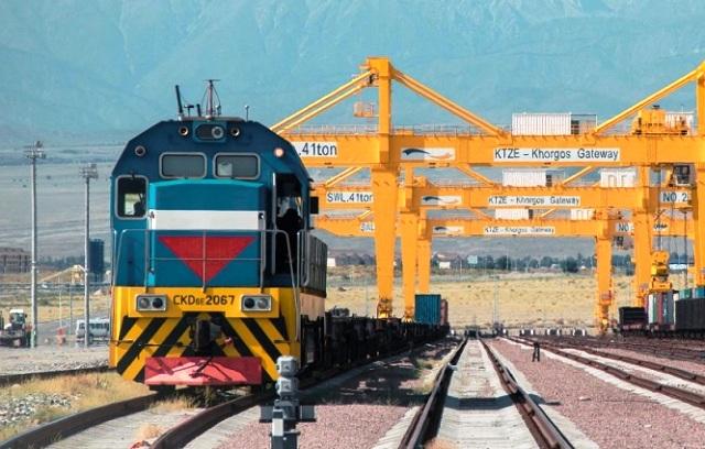 железнодорожный локомотив
