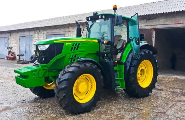 трактор в идеальном состоянии