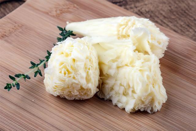 полезные свойства сыра Тет де Муан