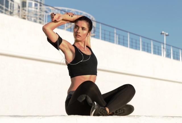 растяжка плечевых мышц