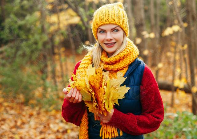 девушка в теплом шарфе