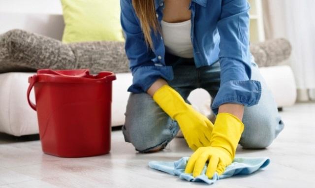 мытье полов из винила