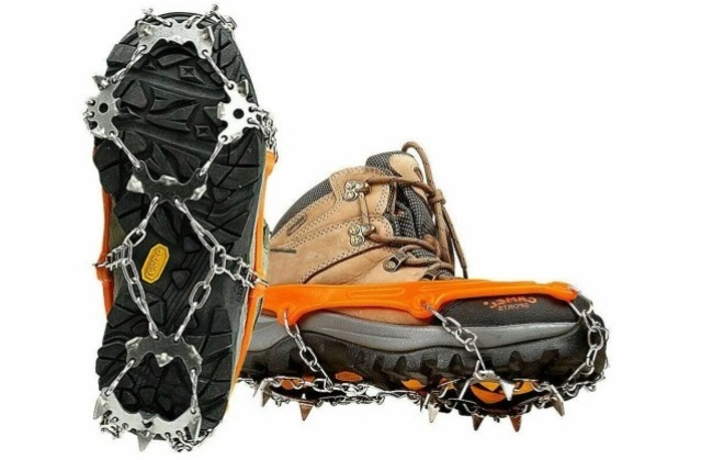 обувь с шипами